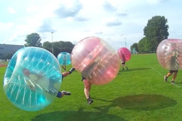 Bubble Soccer beim Junggesellenabschied Düsseldorf spielen